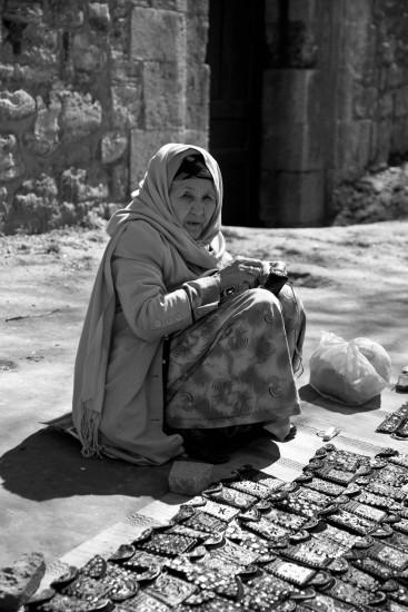 Gammel dame i Istanbul